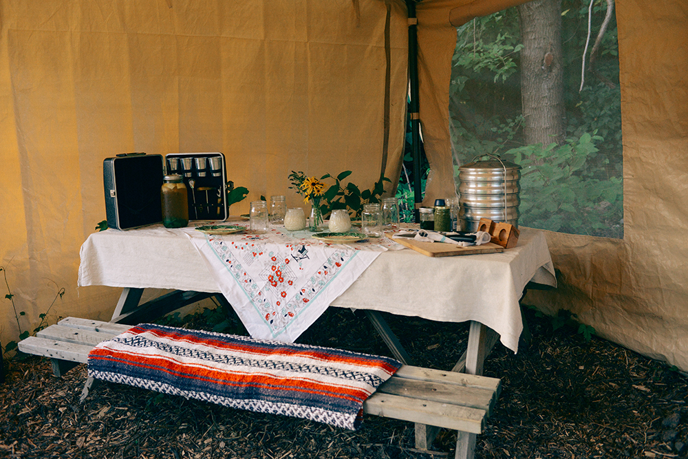 A Mint Themed Dinner on the Farm // www.WithTheGrains.com