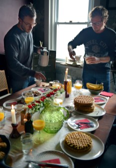 10 chicken-and-waffle-brunch-by-with-the-grains-03