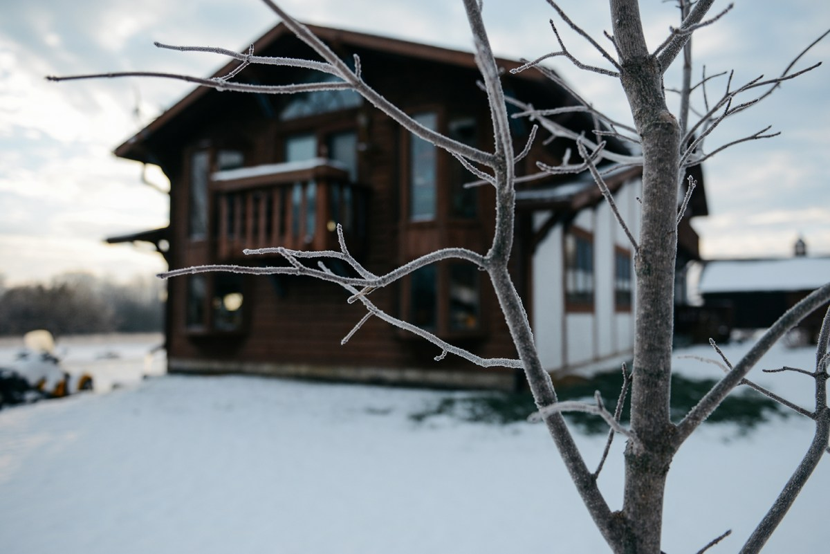 Westward Wanderings: A Wisconsin Chalet // www.WithTheGrains.com