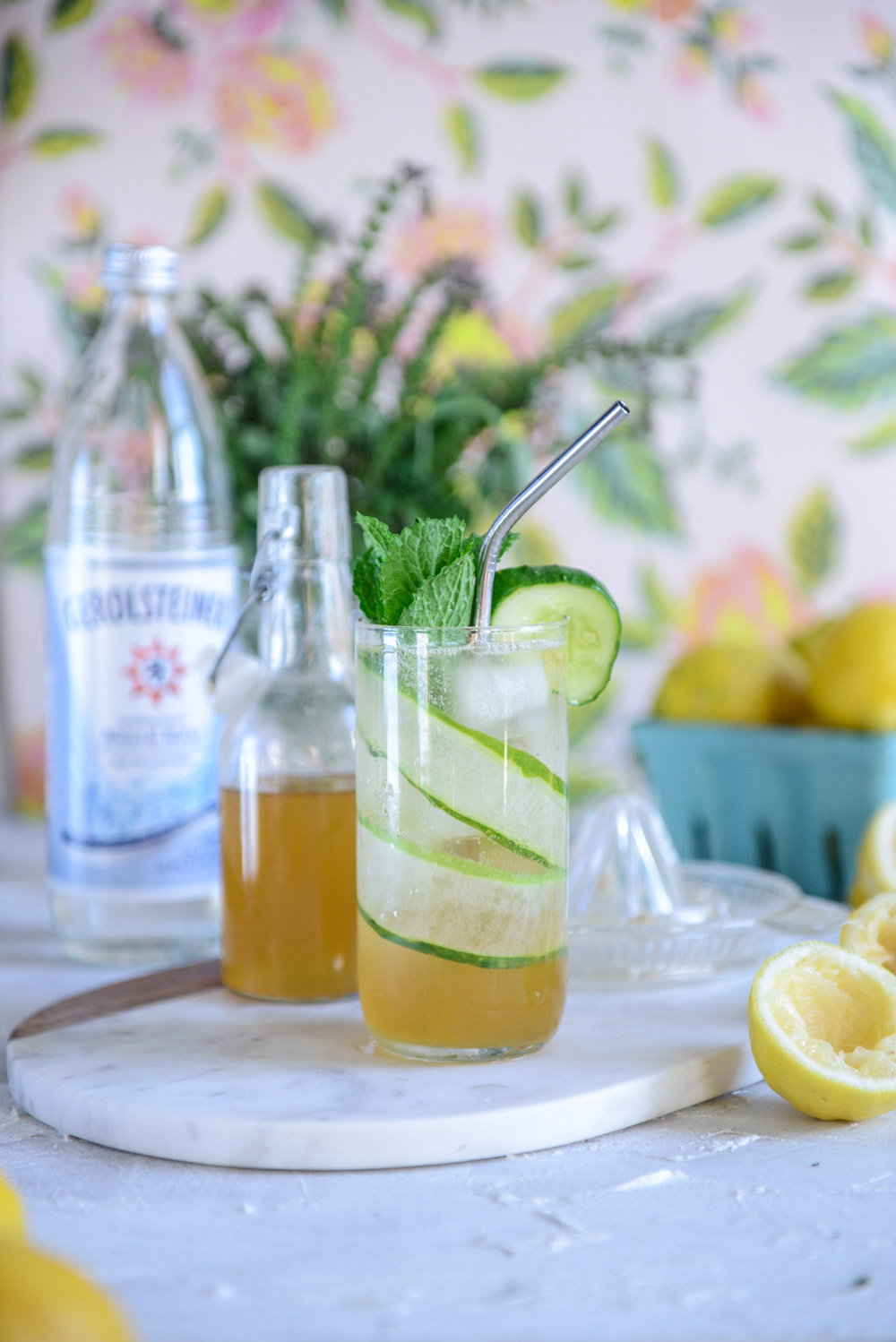 Sparkling Cucumber Mint Lemonade (A Healthy Soda Alternative) + A Cocktail // www.WithTheGrains.com