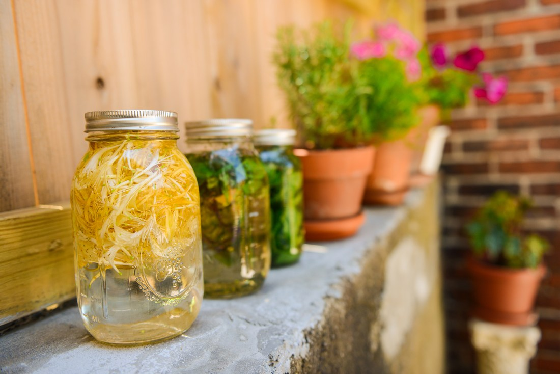 Sun Tea Style Herbal Tisanes for Flavorful Hydration // www.WithTheGrains.com