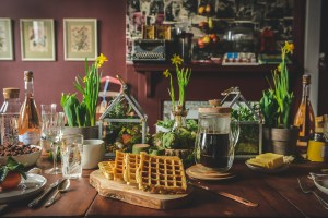How To Host A Gluten Free Easter Brunch For All To Enjoy // www.WithTheGrains.com