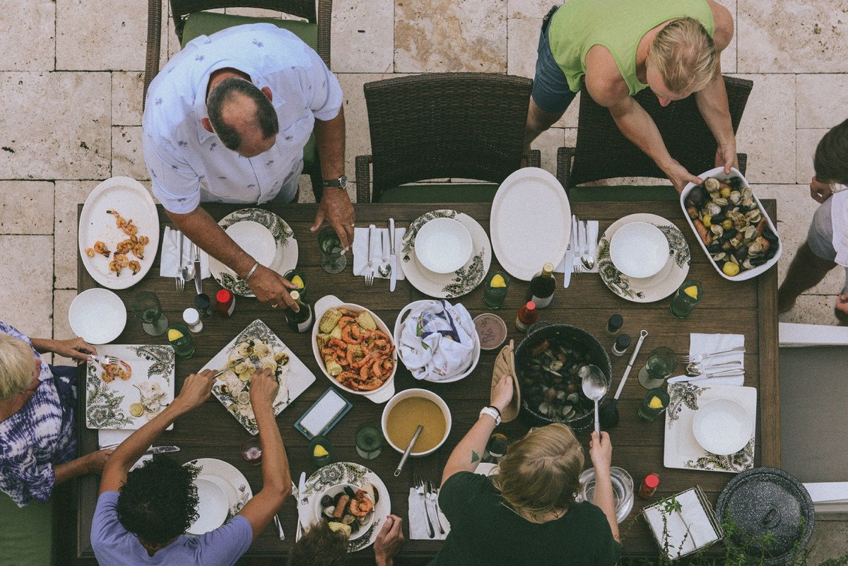 An Epic Seafood Boil // www.WithTheGrains.com