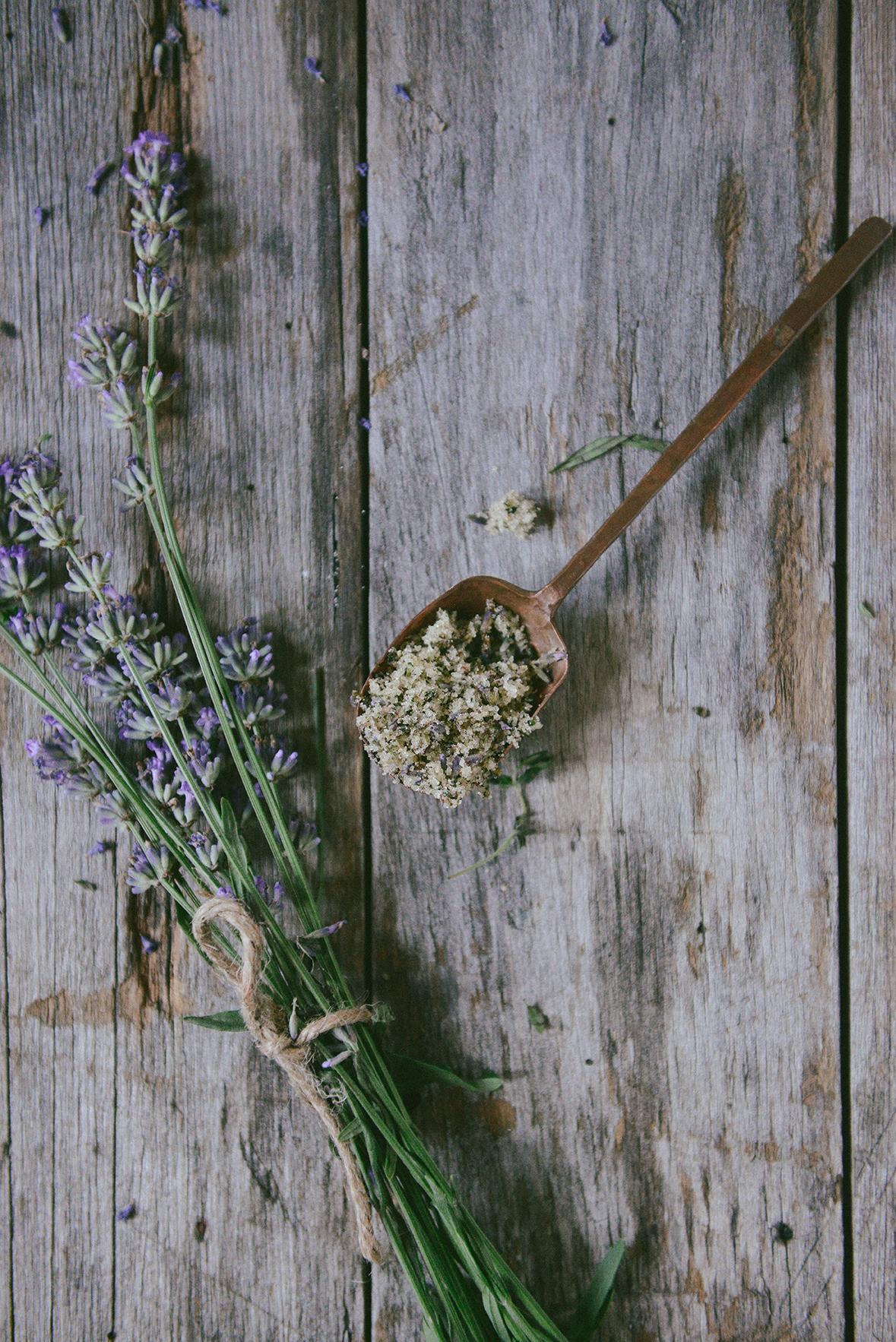 Lavender & Tarragon Sugar for Pie Crust // www.WithTheGrains.com