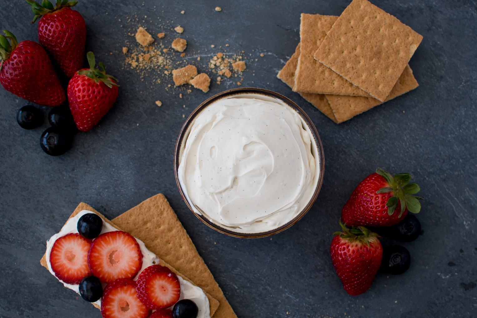 Creamy Vanilla Fruit Dip