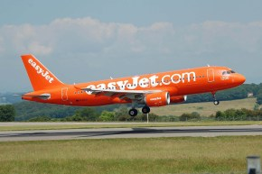 airplane-750743_1280