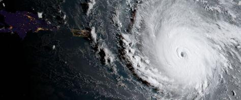 ภาพถ่ายเฮอริเคนเออร์ม่าจากดาวเทียม (ภาพจาก http://abcnews.go.com/International/hurricane-irma-strengthens-closes-caribbean/story?id=49608171)