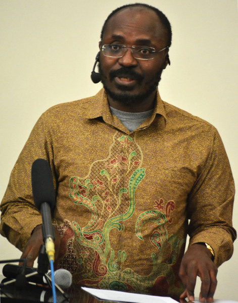 PRESS POWER: Human rights 'defender' and journalist Rafael Marques de Morais received a standing ovation for his moving address at the third Carlos Cardoso memorial lecture at Wits University this evening.  Photo:  Zelmarie Goosen