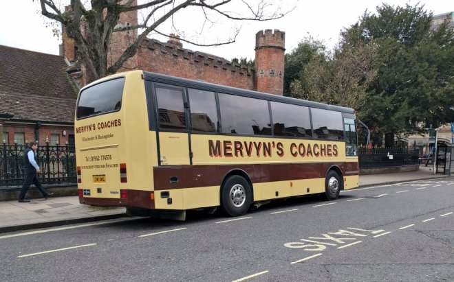 Mervyn's Coaches bus waiting time in Winchester Broadway
