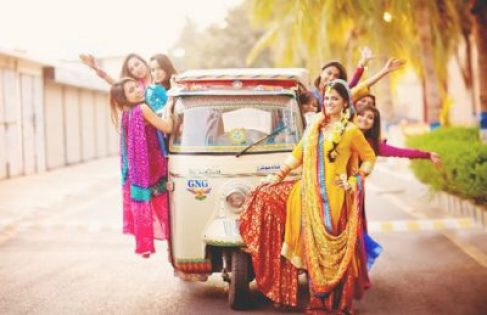 Enter in style bride with her friends on a rickshaw witty vows
