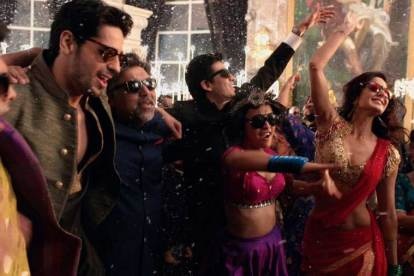 Indian wedding sangeet song - Kala chashma - wedding song guide - Witty Vows