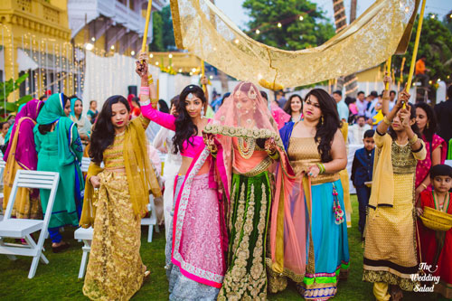 Innovative entry ideas for the Indian Bride | Enter with your girls by your side| Curated by Witty vOWs