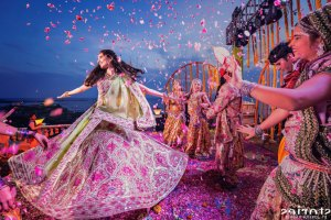 PICTURES THAT PROVE EVERY INDIAN BRIDE MUST GET A PICTURE WITH A FLOWER SHOWER | Curated By Witty VowsPICTURES THAT PROVE EVERY INDIAN BRIDE MUST GET A PICTURE WITH A FLOWER SHOWER | Curated By Witty Vows