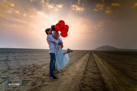 Save the Date photoshoot idea | Pre Wedding Shoot Ideas | Shutterdown Photography by Lakshay Chawla | Cute couple pic| tumblr | Candid Photography | Beach | Goa | Pre Wedding Photographers | Delhi | Indian couple in love | Stunning locations in India | Wedding Photographer | Nature Shoot |Beach|