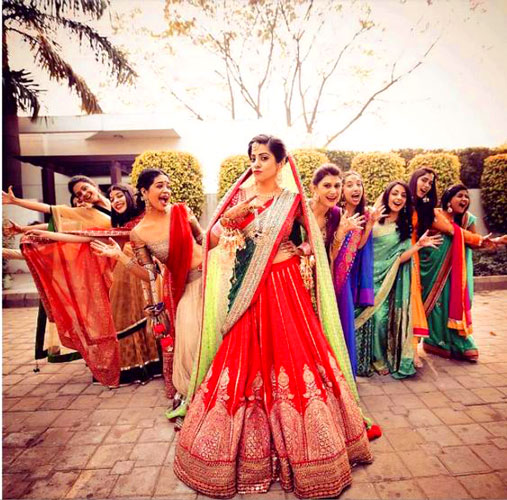 Candid bridal photo ideas | Bindaas brides | Witty Vows | Bride Tribe - photos with bridesmaids for Indian bride
