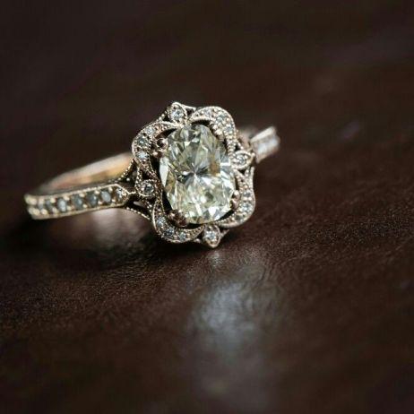 Trending New Wedding ring design ideas for Indian brides on a budget | Vintage Heirloom Wedding Ring Design