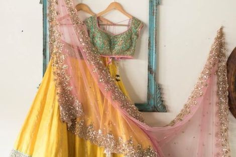 New trending Indian Mehndi Outfit Style Ideas