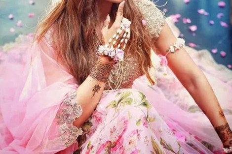 Top Indian Celebrity Weddings 2016 | New trending Indian Mehndi Outfit Style Ideas |Stunning wedding ideas from Bipasha Basu and Karan Singh Grover's wedding | Bipasha Basu's Mehendi | Bipasha in a pink chintz lehenga loral crown | Floral jewellery