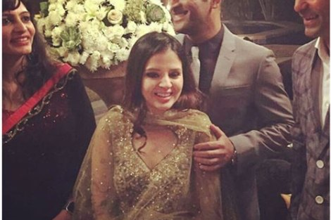 Yuvraj Singh's Wedding reception & Sangeet in Delhi | M.S. Dhoni with wife sakshi at Yuvraj's Delhi reception