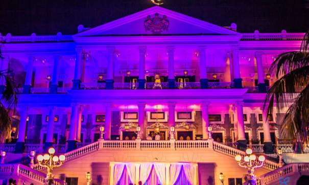Best royal Indian wedding venue - Falaknuma Palace, Hyderabad | wedding venues | royal wedding | destination wedding in india | Indian destination wedding | palace wedding venues | destination wedding venue | Royal Indian wedding venue | wedding at The Falaknuma palace | the Falaknuma palace wedding shot by Ramit Batra | Pretty Bride pavani at the falaknuma palace hyderabad for her sangeet | Chandeliers