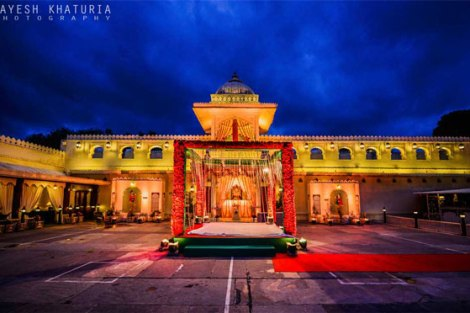 Best royal Indian wedding venue - Jag Mandir Palace island udaipur | royal wedding venues | royal wedding | destination wedding in india | Indian destination wedding | palace wedding venues | destination wedding venue | Royal Indian wedding venue | Mandap Wedding shoot at jagmandir by Jayesh Kathuria