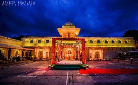 Best royal Indian wedding venue - Jag Mandir Palace island udaipur | royal wedding venues | royal wedding | destination wedding in india | Indian destination wedding | palace wedding venues | destination wedding venue | Royal Indian wedding venue | Mandap Wedding shoot at jagmandir by Jayesh Kathuria