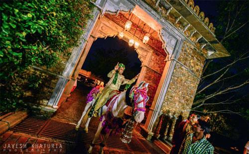 Best royal Indian wedding venue - Jag Mandir Palace island udaipur | royal wedding venues | royal wedding | destination wedding in india | Indian destination wedding | palace wedding venues | destination wedding venue | Royal Indian wedding venue | Wedding shoot at jagmandir by Jayesh Kathuria