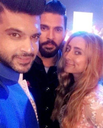Yuvraj Singh's Wedding reception & Sangeet in Delhi | Karan & Anoushka at Yuvi's wedding