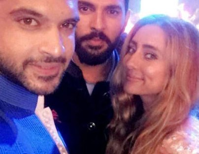 Yuvraj Singh's Wedding reception & Sangeet in Delhi | Karan & Anoushka at Yuvi's wedding