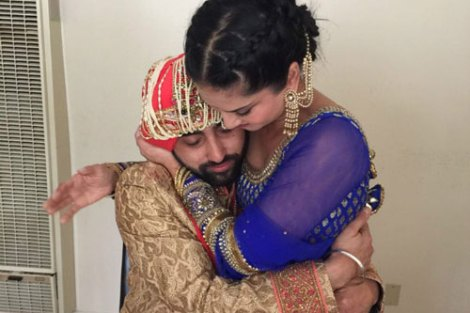 Sunny leone's Brother Sandeep vohra got married in a pretty Gurudwara Ceremony in LA | Sunny with her brother