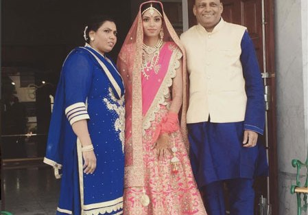 Sunny leone's Brother Sandeep vohra got married in a pretty Gurudwara Ceremony in LA | Brides parents coordinated in blue