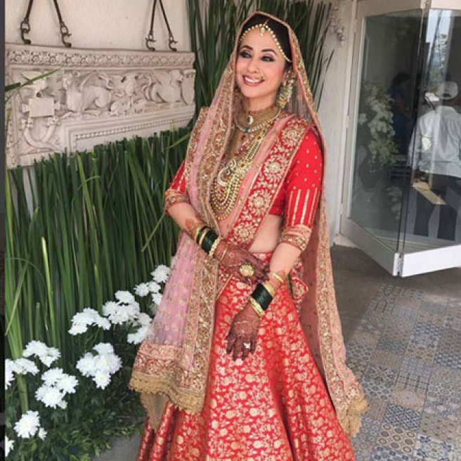 Top Indian Celebrity Weddings 2016 | Stunning wedding ideas from Urmila Matondkar's wedding outfit | red and gold Manish malhotra wedding lehenga