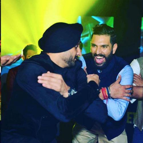 Yuvraj Singh's Wedding reception & Sangeet in Delhi | Yuvraj with Harbhajan Singh at his wedding