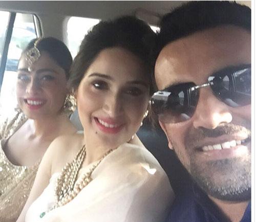 Yuvraj Singh's Wedding reception & Sangeet in Delhi | Zaheer Khan with rumoured girlfriend Sagrika Ghatke