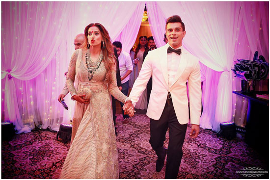 Groom and Bride exit ideas for Indian Weddings | vadai ideas | wedding send off ideas | couple exit ideas | Indian couple exit | Bipasha basu wedding exit idea | Bipasha and Karan dance together