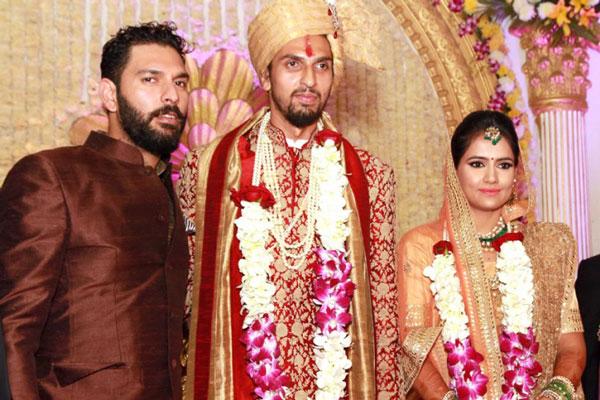 Cricketer Ishant Sharma's wedding to pratima Singh in Gurgaon | Photos of Ishant Sharma with Yuvraj Singh