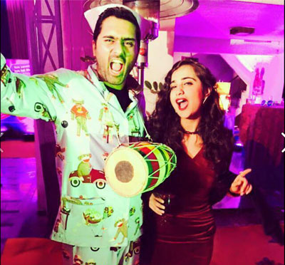 wedding dance practice   Themed dance practice wedding dance practice   Themed dance practice   Wedding guests and friends dressed in 90s clothes   Ideas for Sangeet Dance practice