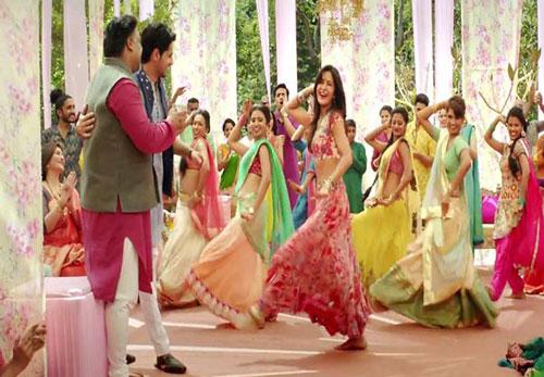 decor ideas from bollywood film Baar Baar Dekho   bollywood wedding   fun diy mehndi decor ideas   floral chintz curtains pastel colours   colourful bottles