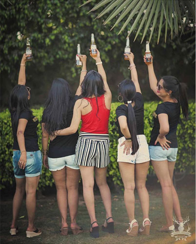 Indian Bachelorette party checklist | Indian bachelorette party ideas | hens party | Checklist for Indian Bridesmaids | Indian Bride and her bridesmaids with beer | Indian bride with friends