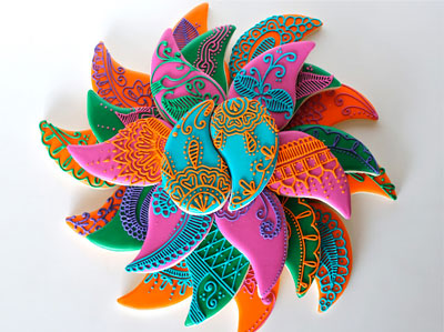 Indian Kitsch Mehndi Decor Ideas | Fun DIY Mehndi theme with super colourful Mehendi decor | Witty Vows | henna inspired cookies