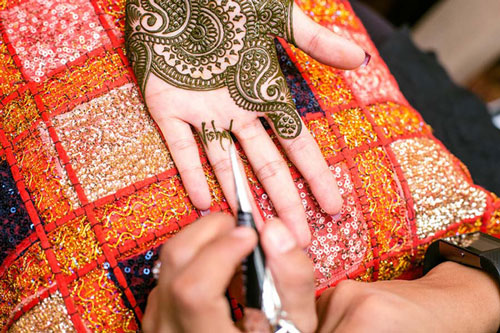 Bridal Mehndi ideas | new way to write the groom's name on the bride's hand | make a ring with his name | New trending Mehndi designs