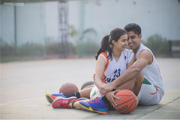 Find the perfect wedding photographer in delhi NCR | Couple shoot in basketball court pre wedding shoot