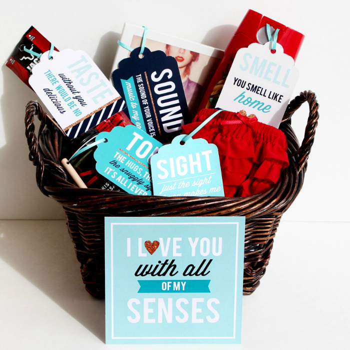 Valentine's day gifts for him| Valentine gift Ideas | Kinky Gift Idea | Naughty Gift Idea | Super cute ideas | V day Gifts | Indian Couples | DIY | India