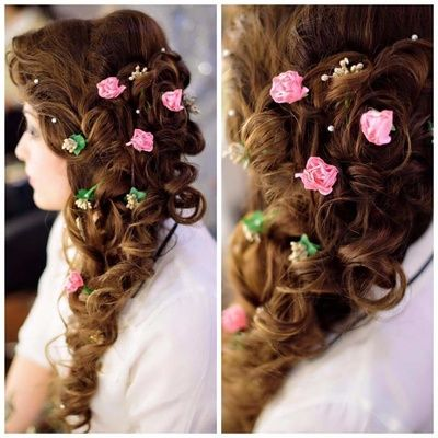 Beautiful half undo hairstyle with loose braid | wedding braid Hairstyle with flowers | fresh flower hairstyle | small pink rose buds flowers in your hair