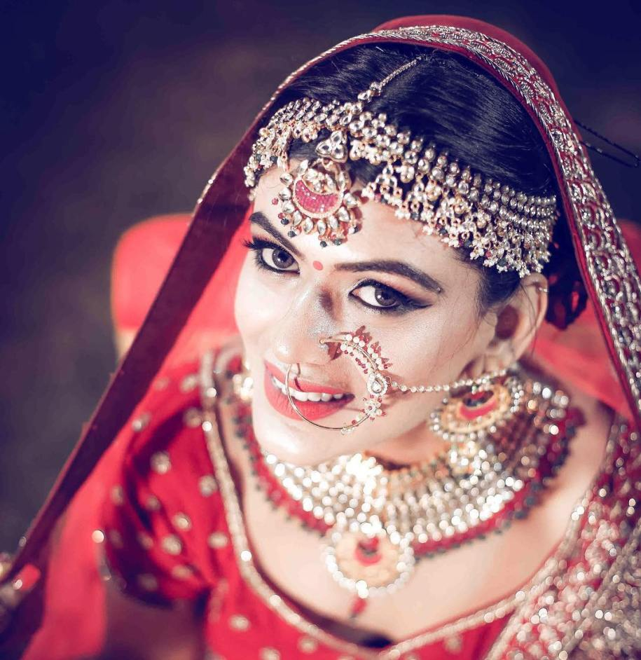 Bridal nose ring ideas | Indian Bridal Jewellery- Nath | Indian brides | naths | instagram |stunning brides | Indian wedding inspiration | by wittyvows| happy frames