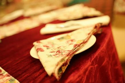 Chintz print napkins to match the decor