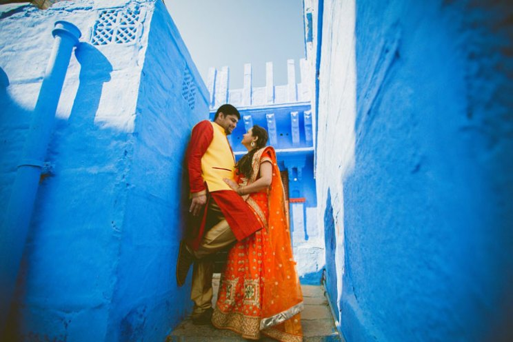 pre wedding shoot in Rajasthan | Bollywood style couple shoot | Veena and Vishal | Shoot (c) Candid Shutters |dreamy Indian wedding shoot in Jodhpur