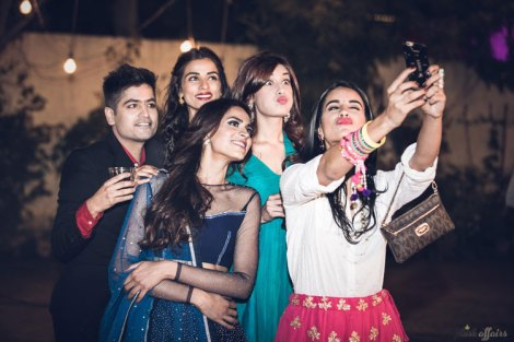 JyotPriya and Nishant | Punjabi wedding in Delhi | The selfie moment of the bride tribe.