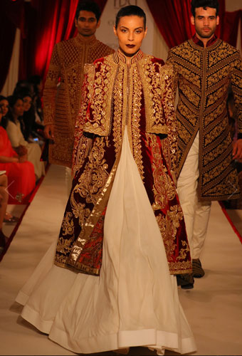 Cape style outfit | India Couture week | ICW 2017 | Rohit balls collection in ivory white and maroon | lehenga with lush jacket