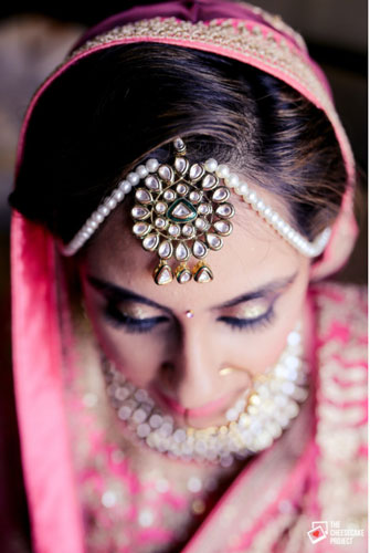 Mathapatti designs we love | New bridal jewellery trends | Pearl mathapatti with Kundan centre piece | shot by the Cheesecake Project